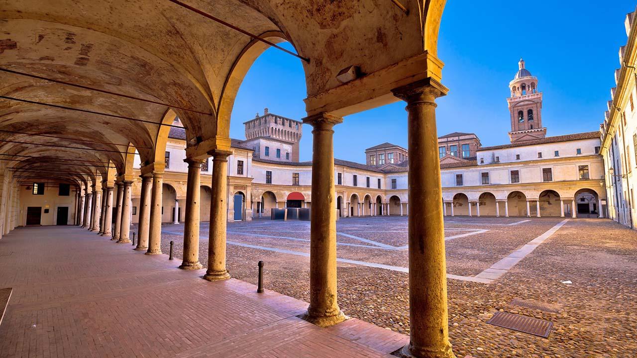 Mantova e Sabbioneta, tesori dell'UNESCO dal 2008. Milan Airports.